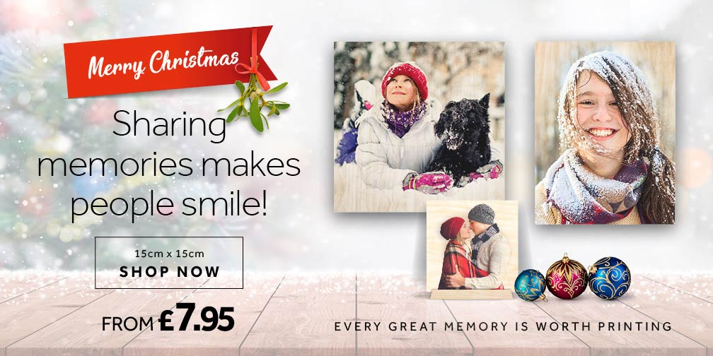 Sharing memories for Christmas makes people smile banner